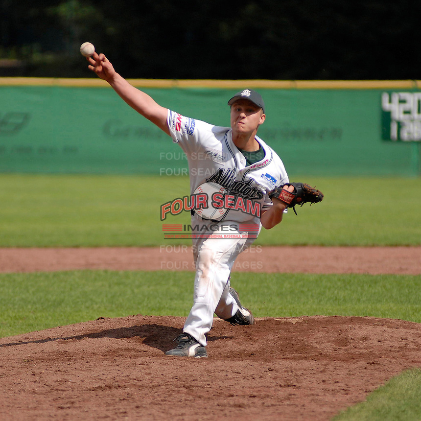 August 12, 2006:  New York Mets International Singing Kai Gronauer delivers a pitch while playing amateur baseball in Germany.  Gronauer, a catcher, signed with the Mets in 2008.  Photo By Gregor Eisenhuth/Four Seam Images