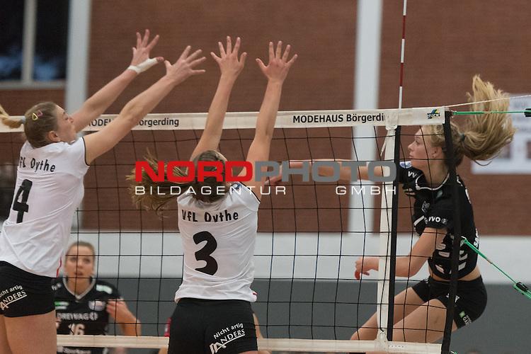 26.10.2016, Vechta, Halle GAV, GER, DVV-Pokal-Achtelfinale, VFL Oythe vs Desdner SC 1898, im Bild<br /> <br /> Katharina Schwabe (DSC Dresden #16)<br /> Lea Frackmann (VFL Oythe #03)<br /> Dominika Zoltanska (VFL Oythe #04)<br /> Foto &copy; nordphoto / Kokenge