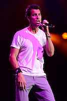 WEST PALM BEACH - JULY 17:  Nick Hexum of 311 performs at the Cruzan Amphitheatre on July 17, 2012 in West Palm Beach, Florida. © mpi04/MediaPunch Inc /NortePhoto.com<br />