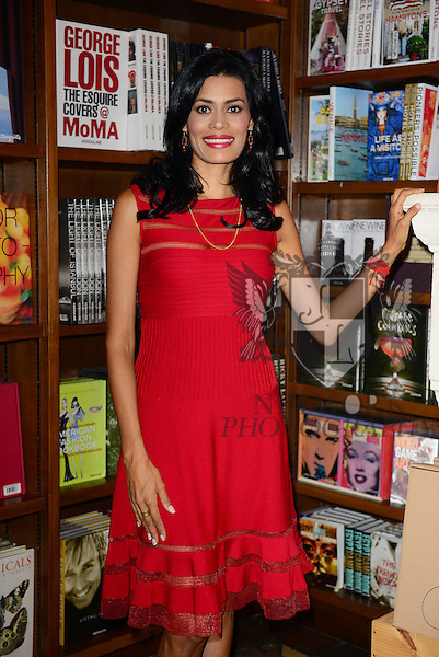 CORAL GABLES, FL - OCTOBER 02: Author Diana Jaramillo signs copies of her book 'Tu guia interior' at Books and Books on October 2, 2013 in Coral Gables, Florida. (Photo by Johnny Louis/jlnphotography.com)
