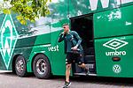 20.07.2019, Heinz Detmar Stadion, Lohne, Interwetten Cup 1.VfL Osnabrück vs SV Werder Bremen<br /> <br /> im Bild / picture shows <br /> Ankunft Werder bremen in Lohne<br /> Milot Rashica (Werder Bremen #07)<br /> Foto © nordphoto / Kokenge