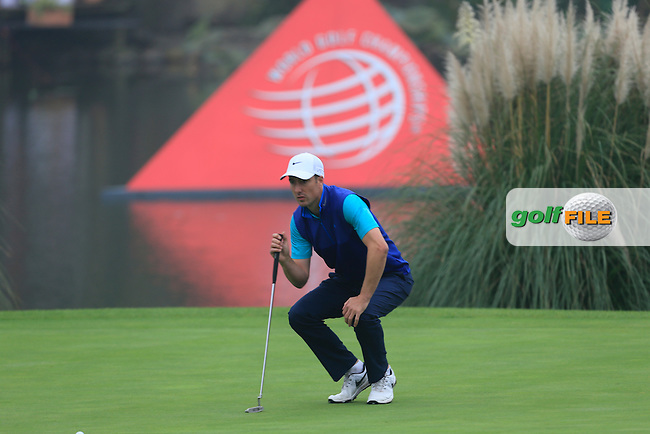 Ross Fisher (ENG) on the 18th green during Round 4 of the WGC HSBC Champions at the Sheshan International Golf Club in Sheshan, Shanghai, China on Sunday 13/09/15.<br /> Picture: Thos Caffrey | Golffile