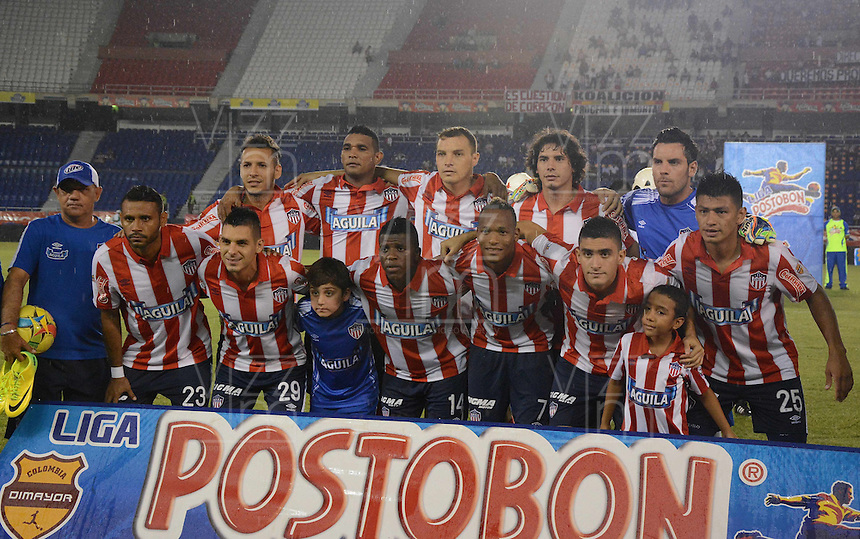 BARRANQUIILLA -COLOMBIA-03-09-2014. Jugadores de Atlético Junior posan para una foto de grupo previo al encuentro con Atlético Huila por la fecha 1 de la Liga Postobón II 2014 jugado en el estadio Metropolitano Roberto Meléndez de la ciudad de Barranquilla./ Players of Atletico Junior pose to a photo group prior the match against Atletico Huila for the first date of the Postobon League II 2014 played at Metropolitano Roberto Melendez stadium in Barranquilla city.  Photo: VizzorImage/Alfonso Cervantes/STR