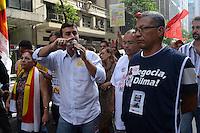 RIO DE JANEIRO, RJ, 31 JULHO 2012 - MARCELO FREIXO - Os candidato a Prefeitura do Rio de Janeiro Marcelo Freixo do PSOL durante manifestacao dos Servidores Publicos Federais em que estao em greve na Avenida Rio Branco em direcao a Cinelandia,nesta terca-feira, dia 31, no centro da capital Fluminense .(FOTO:MARCELO FONSECA / BRAZIL PHOTO PRESS).