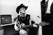 1987: JOHNNY WINTER - Photosession in Paris France