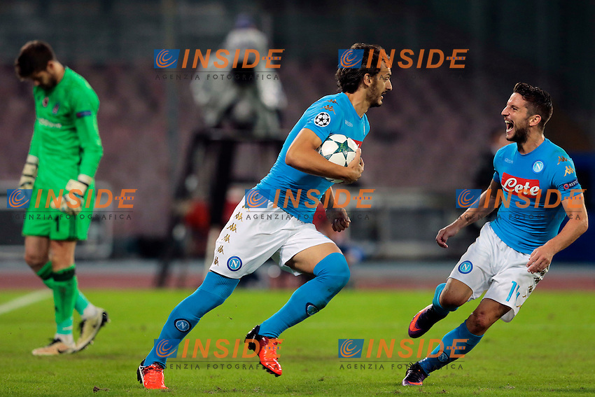 Esultanza dopo il gol di Manolo Gabbiadini Napoli, Dries Mertens Napoli, <br /> Napoli 19-10-2016 Napoli - Besiktas<br /> Football Calcio UEFA Champions League 2016/2017 Group B. Napoli - Besiktas<br /> Foto Cesare Purini / Insidefoto