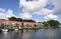 Nederland - Zaandam - 2020. Huizen aan het water. De Havenstraat.   Foto : ANP/ Hollandse Hoogte / Berlinda van Dam