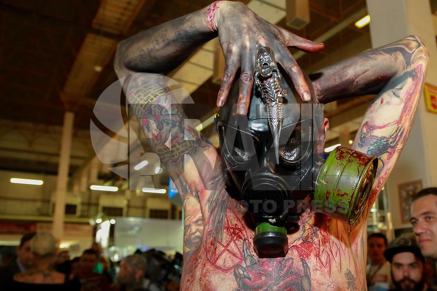SAO PAULO, SP, 19.07.2014 - TATTOO WEEK 2014 - Publico durante a convençao de Tatuagem Tattoo Week 2014 no Pavilhao amarelo do expo center norte,  região norte da cidade de São Paulo. (Foto: Andre Hanni /Brazil Photo Press).