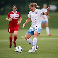 Lori Chalupny (17) of the Chicago Red Stars passes the ball forward during the game at the Maryland SoccerPlex in Boyds, Md.   Chicago defeated Washington, 2-0.