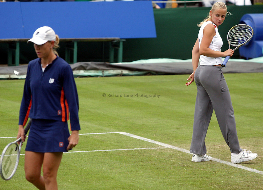 Photograph: Scott Heavey..Hastings Direct International Championships at Eastbourne. 19/06/2003..Rennae Stubbs,Jelena Dokic