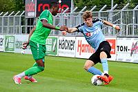 RODINGHAUSEN, Voetbal, Rodinghausen - FC Groningen, voorbereiding  seizoen 2017-2018, 15-07-2017,  FC Groningen speler Django Warmerdam in duel met Kelvin Lunga