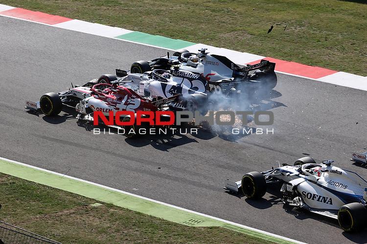 13.09.2020, Autodromo Internazionale del Mugello, Mugello, Formula 1 Pirelli Gran Premio Della Toscana Ferrari 1000 2020,im Bild<br />Unfall zwischen Kimi Raikkonen (FIN#7), Alfa Romeo Racing ORLEN, Pierre Gasly (FRA#10), Scuderia AlphaTauri Honda, Romain Grosjean (FRA#8), Haas F1 Team, Max Verstappen (NEL#33), Aston Martin Red Bull Racing<br /> <br /> Foto © nordphoto / Bratic