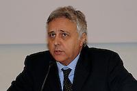 """20 dicembre 2010 Federculture.Presentazione della ricerca """"Cultura impresa e territorio"""" Mario De Simone..."""