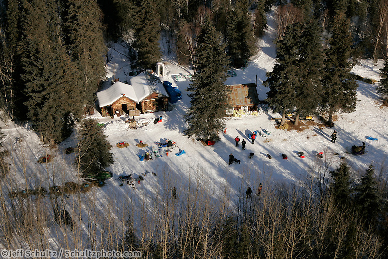 Wednesday March 7, 2007   ----  Top teams rest at the Ophir checkpoint as Cim Smyth arrives  in this aerial photo.