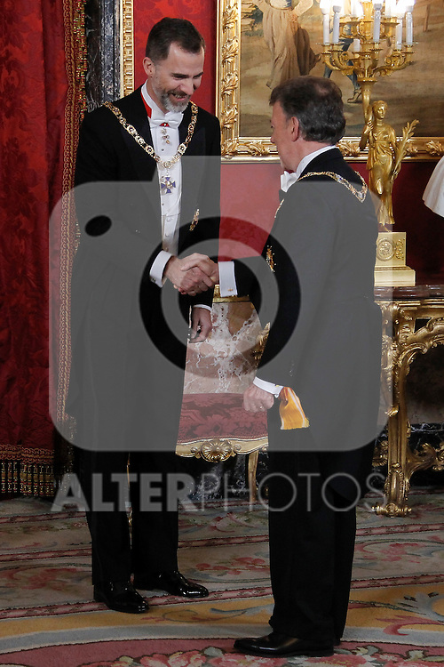 Spanish Royals host a dinner for the Colombian President Juan Manuel Santos and his wife Maria Clemencia Rodriguez in Madrid, Spain. In the pic: King Felipe VI of Spain and Juan Manuel Santos. March 02, 2015. (Jose Luis Cuesta/POOL/ALTERPHOTOS)