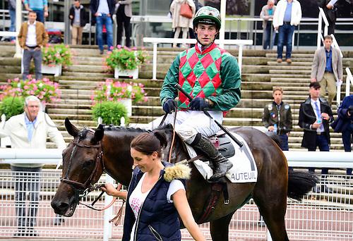 15.09.2016. Auteuil Racecourse, Paris, France.  Race 5-Compiegne Hurdle Grade 3.  Alex De Larredya - Gaetan Masure wins the race