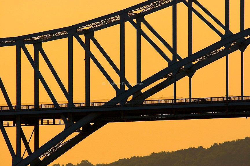 Pittsburghs Bridges - structural silhouette