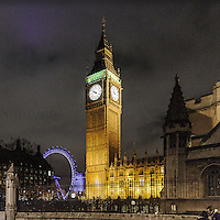 Una vista notturna del Big Ben e London Eye.<br /> <br /> A nocturnal view of the Big Ben and the London Eye.