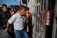 Clodoaldo Carlos Batista chega a uma residência no centro da cidade.<br /> Clodoaldo Carlos Batista (co autor) e Amair Feijoli da Cunha o Tato (intermediário), ambos condenados respectivamente a 17 e 18 anos pela execução da missionária americana Dorothy Mae Stang, sairam às 8h deste sábado (9), do Centro de Recuperação do Coqueiro. Eles foram beneficiados pela saída temporária para o dia dos pais. Os dois progrediram de regime em janeiro e fevereiro deste ano, por já terem cumprido o regime fechado, passando para o semi-aberto.<br /> Belém, Pará, Brasil.<br /> 09/08/2008<br /> Foto Paulo Santos/Interfoto.<br /> Copyright