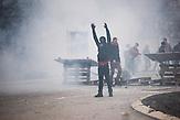 Das Kosovo wird von den schwersten Ausschreitungen seit der Unabhängigkeit 2008 heimgesucht. Die Proteste richten sich gegen die Regierung von Premierminister Isa Mustafa. Dabei spielen antiserbische Ressentiments eine wichtige Rolle. / The most severe riots since Kosovo's independence in 2008 took place in Pristina. The protests are directed against Prime minister Isa Mustafa. Anti-Serbian-resentments play an important role.