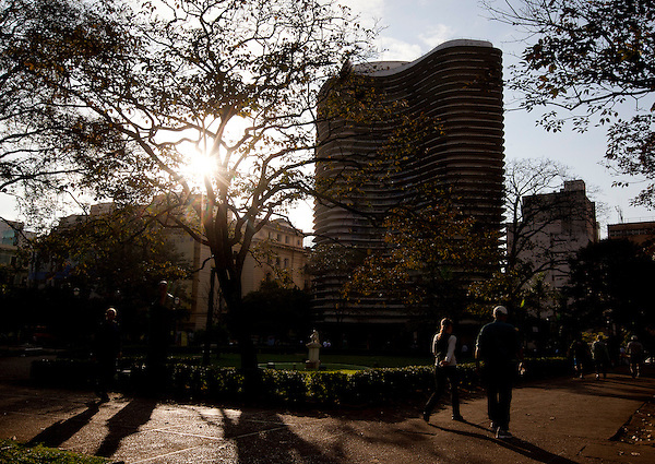 Belo Horizonte_MG, Brasil...Edificio Niemeyer, projetado por Oscar Niemeyer na Praca da Liberdade em Belo Horizonte, Minas Gerais...The Niemeyer Building, designed by Oscar Niemeyer at Liberdade square in Belo Horizonte, Minas Gerais...Foto: BRUNO MAGALHAES / NITRO