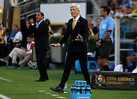 PASADENA - UNITED STATES, 07-06-2016: Jose Pekerman técnico de Colombia (COL) gesticula durante el encuentro del grupo A ,fecha 2, con Estados Unidos (USA) por la Copa América Centenario USA 2016 jugado en el estadio Rose Bowl en Pasadena, California, USA. /  Jose Pekerman coach of Colombia (COL) gestures during a match of the group A against United States (USA) for the date 2 of the Copa América Centenario USA 2016 played at Rose Bowl stadium in Pasadena, California, USA. Photo: VizzorImage/ Luis Alvarez /Str