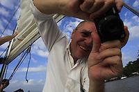 Dauberson, Eduardo Ramos de Andrade, Paolo Carlucci, Rose e Paulo Santos, passeiam pelo rio Guamá no veleiro Shark.<br /> Belém, Pará, Brasil.<br /> Foto Paulo Santos<br /> 20/08/2016