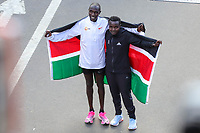 Nova York (EUA), 03/11/2019 - Maratona de Nova York -  Os primeiros colocados Joyciline Jepkosgei, do Quênia, e Geoffrey Kamworor, do Quênia, posam durante a Maratona do TCS New York City 2019 em Nova York, em 3 de novembro de 2019. (Foto: William Volcov/Brazil Photo Press)