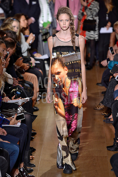 Londres, Inglaterra &sbquo;16/09/2013 - Desfile de Giles durante a Semana de moda de Londres  -  Verao 2014. <br /> Foto: FOTOSITE