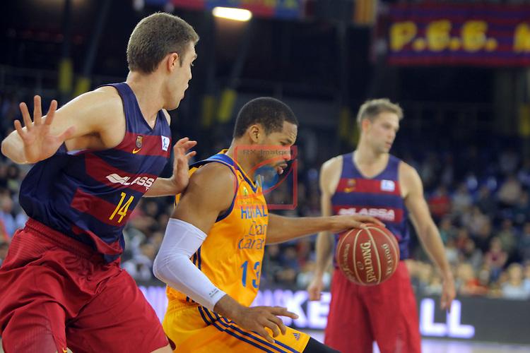 League ACB-ENDESA 2016/2017. Game: 11.<br /> FC Barcelona Lassa vs Herbalife Gran Canaria: 79-78.<br /> Aleksandar Vezenkov vs Eulis Baez.