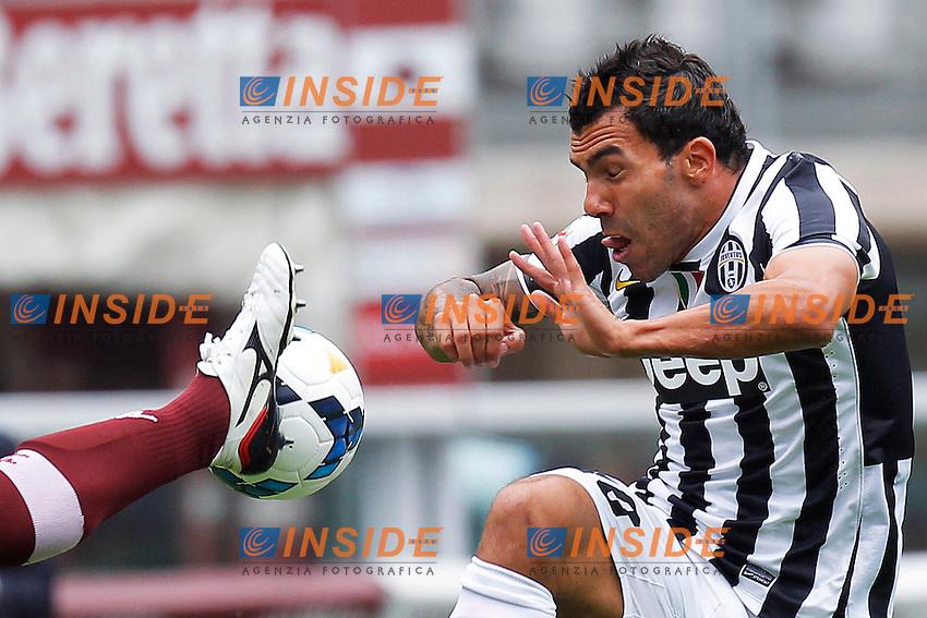Carlos Tevez Juventus, Guillermo Rodriguez Torino,<br /> Torino 29-09-2013<br /> Stadio Olimpico <br /> Football Calcio 2013/2014 Serie A <br /> Torino - Juventus<br /> Foto Marco Bertorello Insidefoto