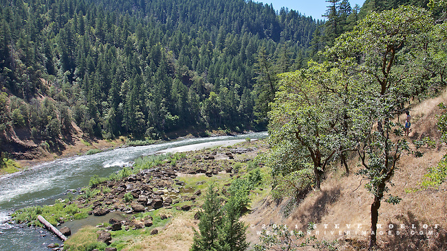 Hiking the Rogue River Trail to Flora Dell Falls.