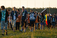 Swedish and belgian scouts going to the IST opening ceremony. Photo: Magnus Fröderberg/Scouterna