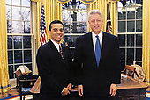 United States President Bill Clinton meets Antonio Villarraigosa, Speaker, California State Assembly Speaker in the Oval Office of the White House in Washington, DC on March 9, 1998.<br /> Mandatory Credit:  Barbara Kinney / White House via CNP
