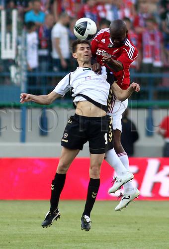 KRAKOW 29.05.2011 EKSTRAKLASA WISLA KRAKOW versus  POLONIA WARSZAWA   N Z OSMAN CHAVEZ (WISLA) , EUZEBIUSZ SMOLAREK (POLONIA)       ..POLISH FOOTBALL EXTRALEAGUE