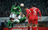 FUSSBALL   1. BUNDESLIGA    SAISON 2012/2013    12. Spieltag   SV Werder Bremen - Fortuna Duesseldorf               18.11.2012 Eljero Elia (li) und Zlatko Junuzovic (Mitte, beide SV Werder Bremen) gegen Jens Langenecke (3.v.l) und Juanan (re, beide Fortuna Duesseldorf)