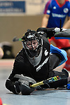 Mannheim, Germany, January 10: During the 1. Bundesliga Herren Hallensaison 2014/15 Sued  hockey match between Mannheimer HC (blue) and Muenchner SC (white) on January 10, 2015 at Irma-Roechling-Halle in Mannheim, Germany. Final score 8-8 (3-5). (Photo by Dirk Markgraf / www.265-images.com) *** Local caption *** Frederik Guertler of Muenchner SC
