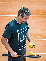 Paris, France, 26 May, 2019, Tennis, French Open, Roland Garros, Coach Raemon Sluiter (NED) coaching Kiki Bertens of the Netherlands<br /> Photo: Henk Koster/tennisimages.com