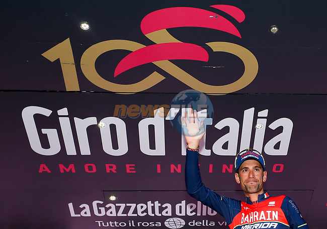 Local man Vincenzo Nibali (ITA) Bahrain-Merida on the podium at the end of Stage 5 of the 100th edition of the Giro d'Italia 2017, running 159km from Pedara to Messina, Sicily, Italy. 10th May 2017.<br /> Picture: LaPresse/Simone Spada | Cyclefile<br /> <br /> <br /> All photos usage must carry mandatory copyright credit (&copy; Cyclefile | LaPresse/Simone Spada)