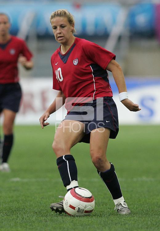 MAR 15, 2006: Faro, Portugal:  Aly Wagner