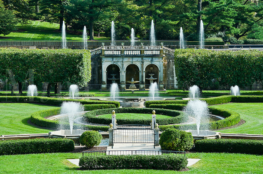Main fountain garden, Longwood Gardens, Pennsylvania, USA