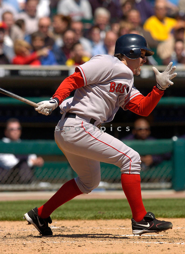 Bill Mueller of the Boston Red Sox in action against the Seattle Mariners...Red Sox win 2-1..Chris Bernacchi / SportPics