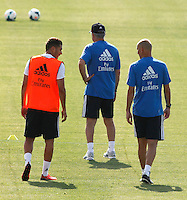 Benzema speaks with  Zidane during Real Madrid´s first training session of 2013-14 seson. July 15, 2013. (ALTERPHOTOS/Victor Blanco) ©NortePhoto