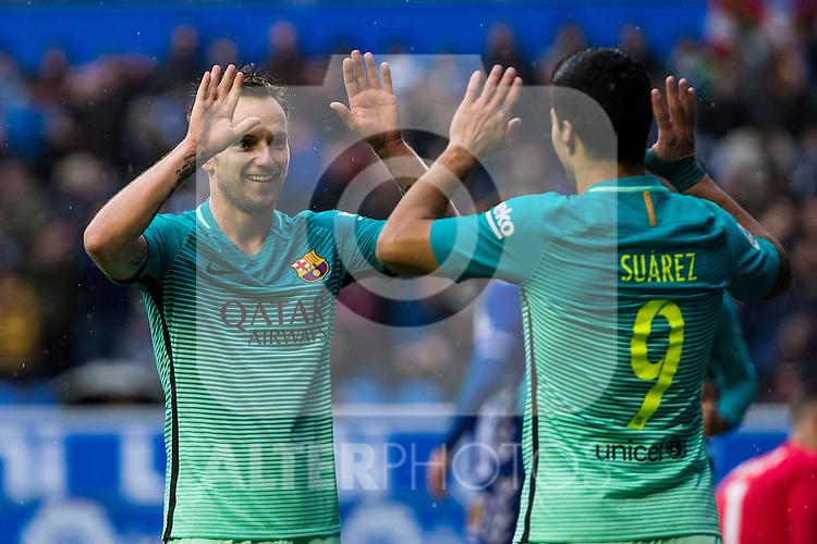 FC Barcelona's midfielder Ivan Rakitic celebrates after scoring a goal during the match of La Liga between Deportivo Alaves and Futbol Club Barcelona at Mendizorroza Stadium in Vitoria, Spain. February 11, 2017. (ALTERPHOTOS/Rodrigo Jimenez)
