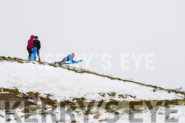 Andrew, Dara and Sarah O'Connor in the snow in Ballybunnion on Friday.