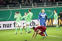 Torjubel um Ivica Olic (Wolfsburg) beim 0:1 - OFC frustriert