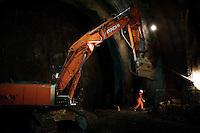 Bologna, giugno 2011. Cantiere TAV tratto Fi-Bo. Si sta scavando il tunnel che porterà i treni alla futura nuova stazione di Bologna