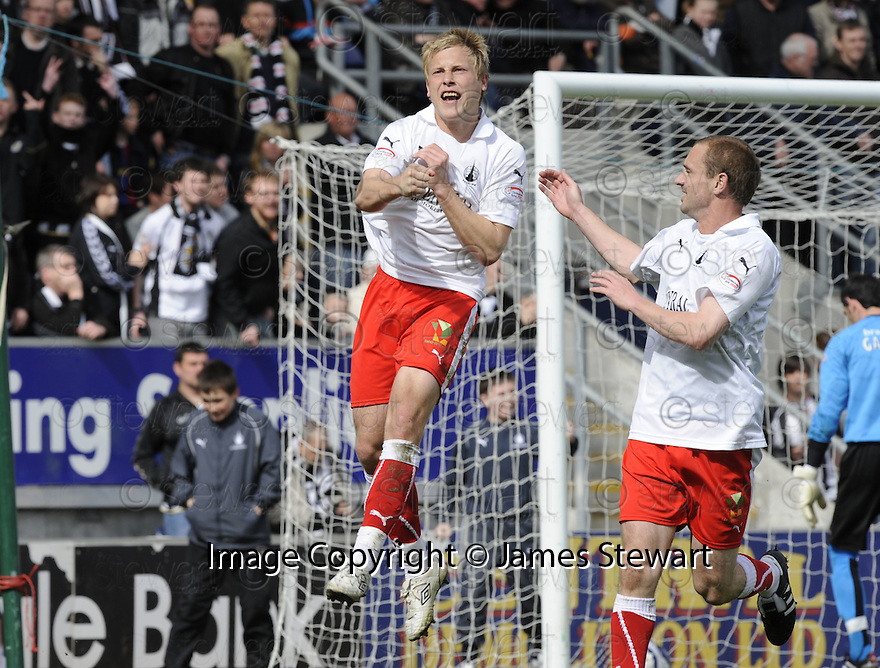 01/05/2010   Copyright  Pic : James Stewart.sct_jsp03_falkirk_v_st-mirren  .::  SCOTT ARFIELD CELEBRATES AFTER HE SCORES FROM THE SPOT ::  .James Stewart Photography 19 Carronlea Drive, Falkirk. FK2 8DN      Vat Reg No. 607 6932 25.Telephone      : +44 (0)1324 570291 .Mobile              : +44 (0)7721 416997.E-mail  :  jim@jspa.co.uk.If you require further information then contact Jim Stewart on any of the numbers above.........