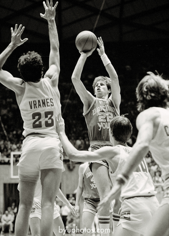 BKB 611 B-30.BYU Men's Basketball vs University of Utah.Jan 31, 1981.Danny Ainge (#22) shooting the ball...Photo by Mark Philbrick/BYU.