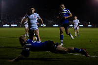 Bath Rugby's Tom Homer scores a try for Bath<br /> <br /> Photographer Bob Bradford/CameraSport<br /> <br /> Gallagher Premiership - Bath Rugby v Gloucester Rugby - Monday 4th February 2019 - The Recreation Ground - Bath<br /> <br /> World Copyright © 2019 CameraSport. All rights reserved. 43 Linden Ave. Countesthorpe. Leicester. England. LE8 5PG - Tel: +44 (0) 116 277 4147 - admin@camerasport.com - www.camerasport.com